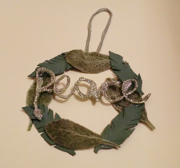 diy-christmas-decoration-peace