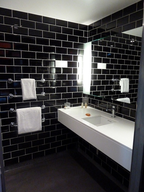 hoxton hotel bathroom#