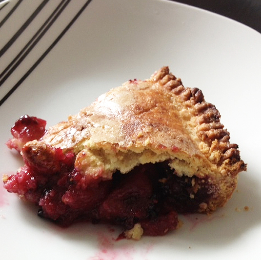 blackberry-and-apple-pie